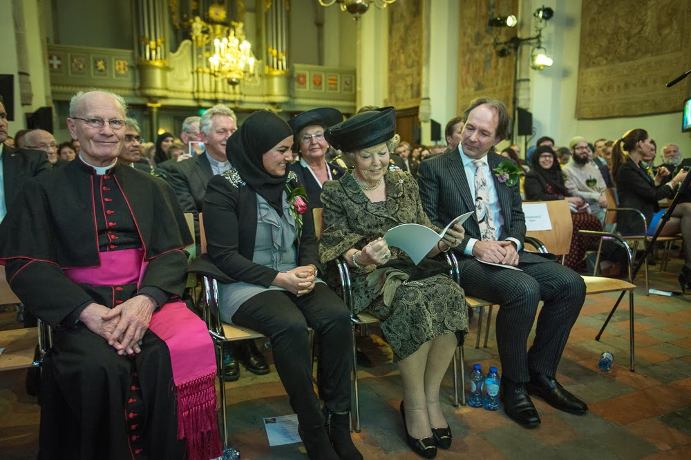 André Kalden bij een interreligieuze viering in aanwezigheid van H.K.H. Prinses Beatrix, 2014